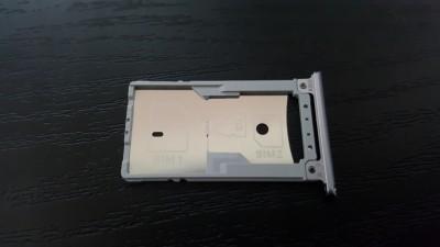ZenFone3 Laserの高級感あふれる外観 5