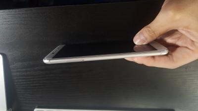 ZenFone3 Laserの高級感あふれる外観 4