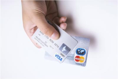 海外はクレジットカードが身分証明書代わりになる