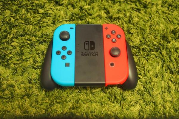 Nintendo SwitchのJoy-Conの他にProコントローラーがあると便利!-2